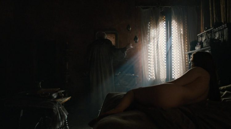 Naked – Game of Thrones s06e10 (2016)
