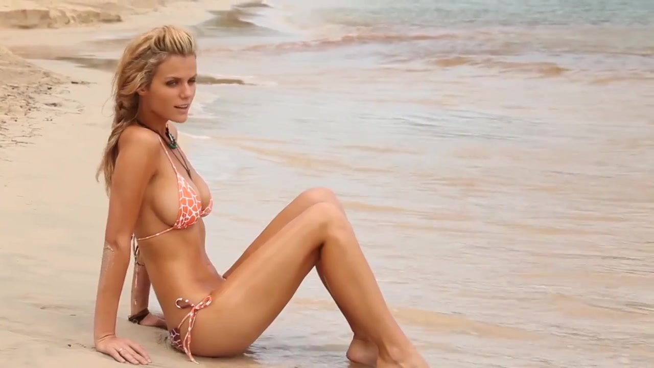 Brooklyn Decker Bares All In Threesome With Naked Friends With Better Lives Co