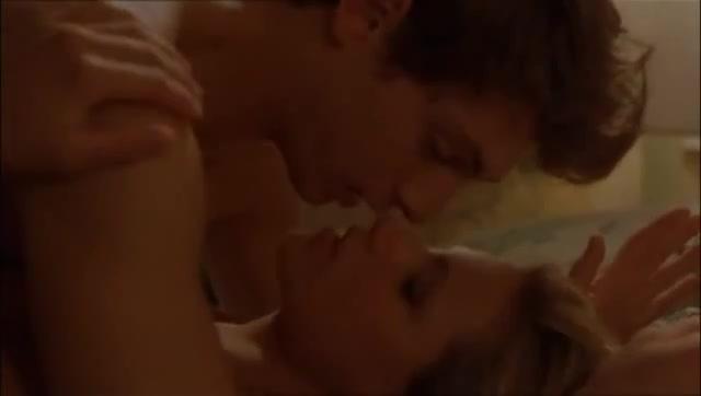 Sex scene - Voglio stare sotto al letto (1999)