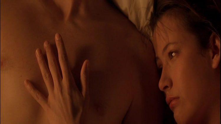 Sex scene - Firelight (1997)