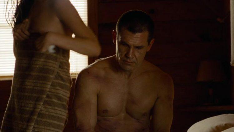 Nude & sex scenes - Oldboy (2013)