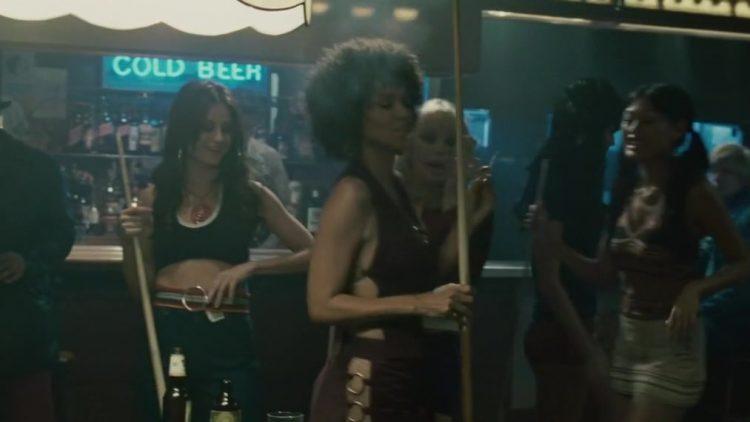 Frankie & Alice (2010) - Striptease