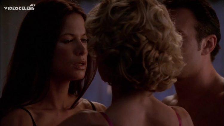 Sex scene - Nip tuck s03e01 (2005) with Kelly Carlson