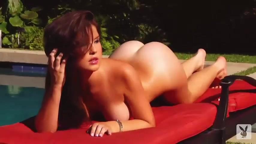 Porno nackt amanda cerny Amanda Cerny