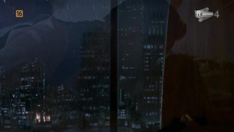 Sex scene - Shining through (1992)