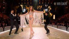 Romee-Strijd-The-Victorias-Secret-Fashion-Show-2016.mp4 thumbnail