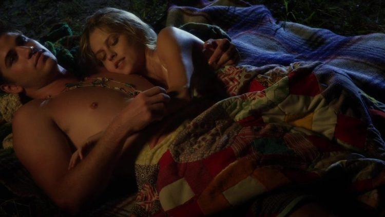 Sex scene - Love and honor (2013)